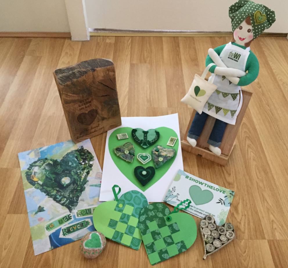 21.02 Green hearts plus doll